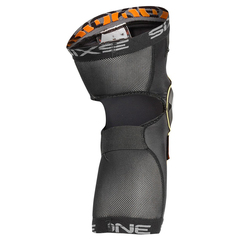 661 Recon knee pad 2017